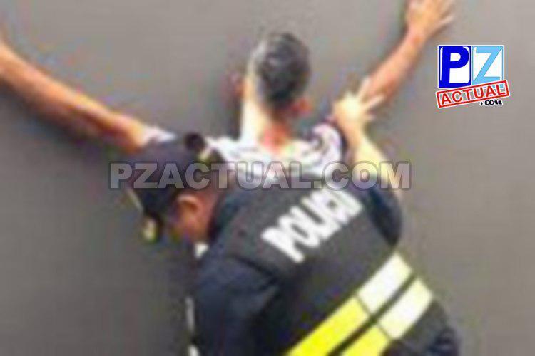 Detienen a hombre que portaba arma de fuego y amenazaba con matar a estudiante en Corredores.