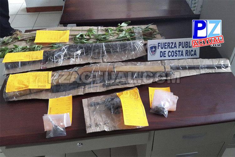 Fuerza Pública detuvo a sujeto en Uvita de Osa que guardaba armas de fuego.