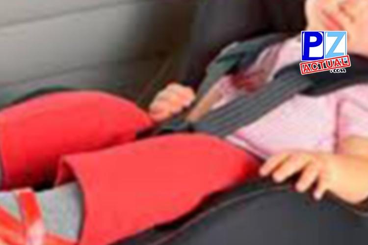 Menores de 12 años deben ir sujetos con un dispositivo apropiado cuando viajan en vehículos particulares.